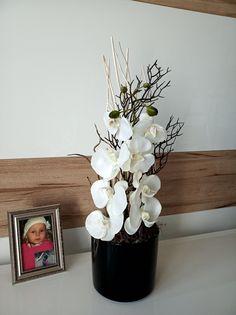 Black+and+White+Větší+celoroční+aranžmá+s+orchideji+atd.+Výška+dekorace+65cm,šířka+20cm,+délka+23cm.+Poštovné+Gls-189kč,+ČP+balík+do+ruky-199kč,+balík+na+postu-+179kč.
