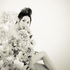 You're a flame in my heart. #monochrome #female #flowers #nude #japanese #girl #love #nobu_tv