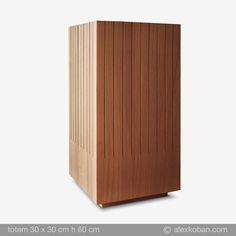 totem1 legno/wood 30x30 h60cm