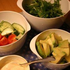 Den seneste tid, har jeg eksperimenteret lidt med nogle af de lækre Spis maven flad-opskrifter, der er mange interessante salater og snacks, og hele konceptet med MUFA-kost og federe madvarer gør mig da lidt nysgerrig. Er der mon nogle af jer, der har erfaring (god eller dårlig) med konceptet