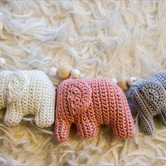 Kesän aikana valmistuneita vauvalahjoja.