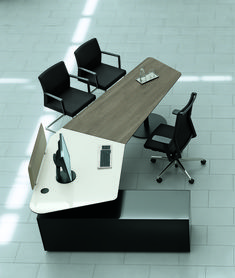 The quality of this desking system lies in its possibilities, such as in high quality consultant workstations in the Front Office. Office Table Design, Modern Office Design, Office Furniture Design, Office Interior Design, Office Interiors, Art Furniture, Executive Office Desk, Ceo Office, Office Workspace
