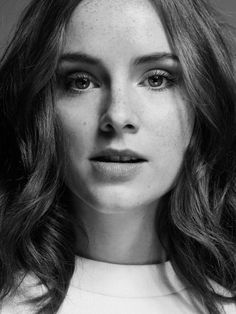 Black N White Images, Black And White, Sophie Rundle, Suranne Jones, Gentleman Jack, Popular Artists, Peaky Blinders, Beautiful Actresses, Girl Crushes