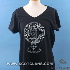 Clan MacQueen Crest  T Shirt