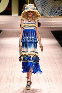 Dolce   Gabbana Spring 2019 Ready-to-Wear Fashion Show Collection  See the 1e7fa9929b