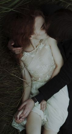 laura makabresku, Burning meadows.