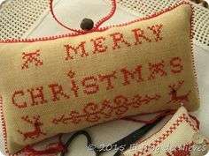 A Merry Christmas Redwork Sampler de  Pineberry Lane punto de cruz cross stitch point de croix Christmas noel navidad