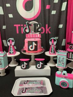 MCCustomParty_by_Mercedes 's Birthday / Tik Tok - Photo Gallery at Catch My Party 13th Birthday Party Ideas For Girls, Birthday Cakes For Teens, 13th Birthday Parties, 14th Birthday, Birthday Party Themes, Paris Birthday, Spa Birthday, Fete Emma, Bday Girl