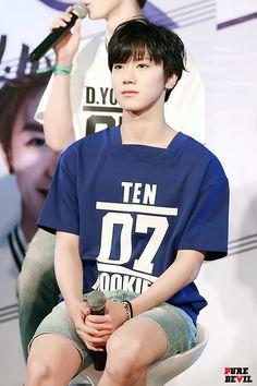 #TEN #NCT #NCTU Winwin, Bangkok, Taeil Nct 127, Tennis Funny, Ten Chittaphon, Nct Ten, Bias Kpop, Fandom, Marching Bands