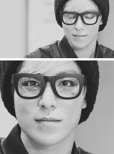 Thick [Black] Square Framed Glasses  = Want.  TOP - Big Bang