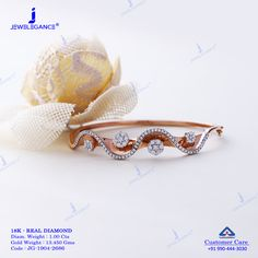The function of wearing a bracelet could differ from embellishing one's body to supplying somebody with medical help or a recognition tool. Unique Diamond Rings, Diamond Bracelets, Diamond Jewelry, Bangle Bracelets, Gold Jewelry, Bangles, Ladies Bracelet, Diamond Pendant, Antique Jewelry