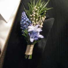Organic boutonniere with rosemary, white Heather, Muscari, and blue Hyacinth. Blue Hyacinth, Button Holes Wedding, Dream Wedding, Wedding Stuff, Wedding Ideas, April Wedding, Corsage Wedding, Wrist Corsage, Color Themes