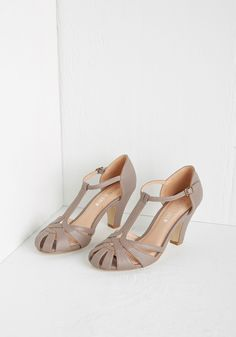 There Chic Goes Heel in Mauve. With these deep mauve heels from Chelsea Crew leading the way, elegance surely awaits you. #grey #prom #wedding #modcloth