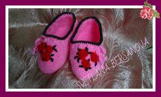 Вязаные крючком следочки-тапочки .How to crochet slippers