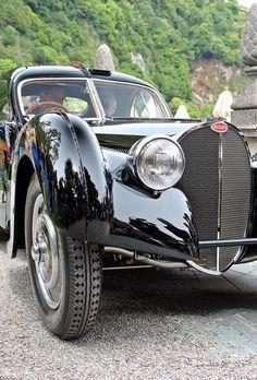 Concorso dEleganza 2014 Bugati Atlantic Ralph Lauren Villa dEste Comer See Bugatti Type 57, Bugatti Cars, Bugatti Veyron, Retro Cars, Vintage Cars, Antique Cars, Fancy Cars, Comer See, Cars