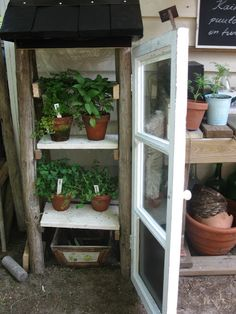 Tee se itse -ideoita puutarhaan : Heinäseipäät