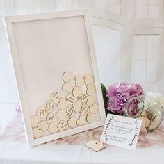 #Gästebuch Alternative #Bilderrahmen mit #Holzherzen - #Hochzeit #Hochzeitsdeko