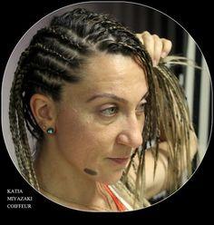 Katia Miyazaki Coiffeur - Salão de Beleza em Floripa: box braids - dirty blonde - medieval braids - Salã...