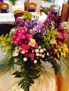 Arreglo floral , poco presupuesto pero bello resultado!!!