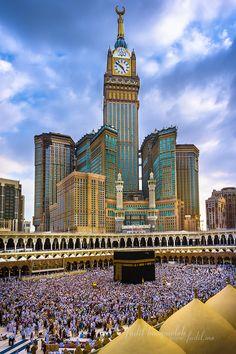 Kaabah Masjidil Al-Haram & Zam-zam Clock Tower, Mecca Quran Wallpaper, Mecca Wallpaper, Islamic Quotes Wallpaper, Mecca Tower, Makkah Tower, Mecca Madinah, Mecca Masjid, Best Islamic Images, Islamic Pictures