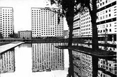 Ciudad Habitacional Nonoalco-Tlatelolco, México, DF 1964-1966    Arq. Mario Pani en colaboración con Luis Ramos    Foto: Armando Salas Portugal -    City Housing Nonoalco-Tlatelolco, Mexico City 1964-1966