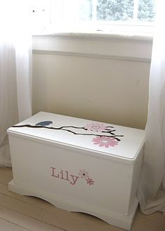 I want a toy chest like this for our little girl.