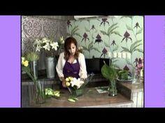 Como hacer un Centro de Mesa con Flores. Cursos de Diseño Floral La Violetera - YouTube