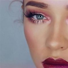 Long lashes and pink shadow.