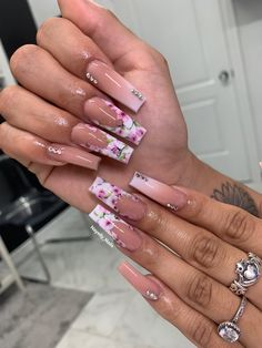 Long French Tip Nails, French Tip Acrylic Nails, French Tip Nail Designs, Acrylic Nails Coffin Short, Square Acrylic Nails, Summer Acrylic Nails, Cute Acrylic Nails, French Tip Design, Nail Swag