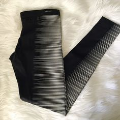 NIKE LEGGINGS Brand new, they stretch a lot so it would fit S/M Perfectly Nike Pants Leggings