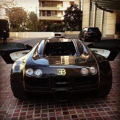 Bugatti #bugattiveyron