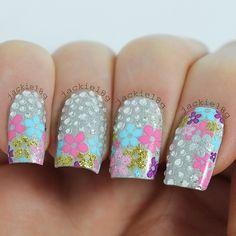 Cute floral mani Pretty Nail Designs, Short Nail Designs, Great Nails, Love Nails, Nail Manicure, Nail Polish, Floral Nail Art, Funky Nails, Rhinestone Nails