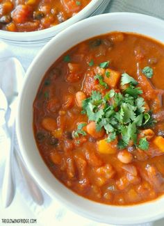 Healthy Pumpkin Chili - vegan and gluten free . Hearty, creamy and rich. Ready in 35 minutes! This savory pumpkin chili is nourishing and festively healthy.