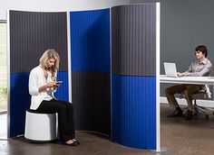 Introducing a lightweight, flexible partition screen designed to maneuver effortlessly and conform to virtually any space. Freestanding Room Divider, Wood Room Divider, Sliding Room Dividers, Space Dividers, Open Office Design, Decorative Room Dividers, Partition Screen, Portable Room Dividers, Loft Room