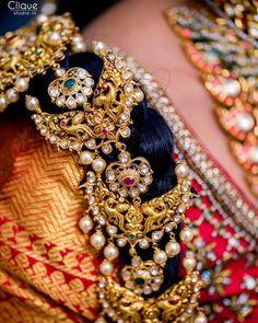 Jewellery detailing ❤️ . Photo by @cliquestudio.in #bridesofhyderabad #bride #bridalinspiration #weddingideas #bridal #weddingphotography…