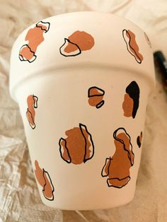 Panterprint tekenen Terracotta, Diys, Planter Pots, Bricolage, Do It Yourself, Homemade, Terra Cotta, Diy