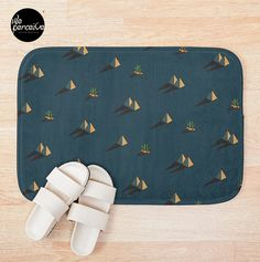 - Printed foam with non-slip bottom - High quality full color printing that won't fade - 100% polyester microfiber face and polyester back - Available in multiple sizes - Machine wash cold  #weperceivestyle #pyramidpattern #egyptianstyle #egyptstyle #bathmat #bathroomdecor #bathmat #home #desire #needs #human #contour #maslow #psychologist #newdesigns #minimallove #designforliving #designlovers #livingproducts