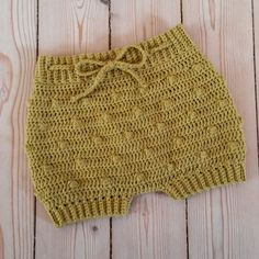 Crochet Baby Dress Patterns For Beginners. Crochet Baby Bloomers, Crochet Romper, Crochet Bebe, Crochet Baby Hats, Crochet For Kids, Crochet Clothes, Baby Knitting, Knit Crochet, Boy Crochet Patterns