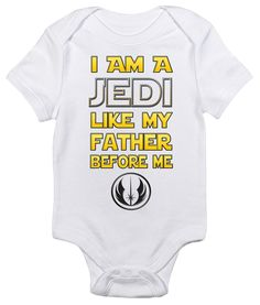 Start training your future generation Star Wars fan early with a nod to the power of the force with one of our most popular baby bodysuits. Available in a variety of colors, with vibrant graphics, thi Star Wars Baby Clothes, Star Wars Onesie Baby, Baby Boys, Baby Comforter, Star Wars Gifts, Star Wars Humor, My Father, Fathers, Baby Bodysuit