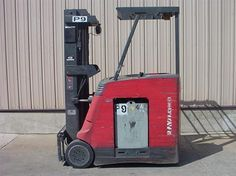 #usedforklifts #materialhandling #raymond Raymond R35-C35TT Used Forklift / Capacity: 3,500 / Year: 2005 / Mast: 88 / 203 TSU / W/36V BATTERY, S/S - CALL 952-492-3900