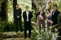 Robert Pattinson, Peter Facinelli, Elizabeth Reaser, Mía Maestro, Christian Camargo, Angelo Renai | Breaking Dawn