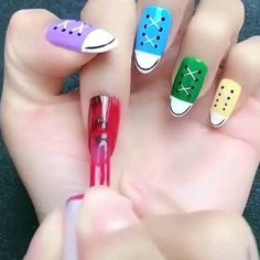 Cat Nail Art, Nail Art Diy, Diy Nails, Pastel Nail Art, Rose Nail Art, Diy Disney Nails, Converse Nail Art, Simple Nail Art Videos, Nail Art For Kids