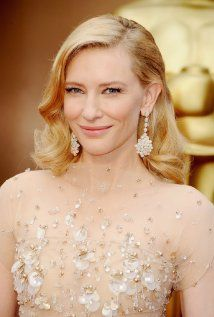 Copy the makeup and hair looks of celebs including Cate Blanchett, Kerry Washington, Jessica Biel, and more who looked beautiful on the Oscars 2014 red carpet Cate Blanchett, Red Carpet Hair, Red Carpet Looks, Jennifer Garner, Jennifer Lawrence, Oscars 2014, Cannes 2015, Oscar Dresses, Old Hollywood Glamour