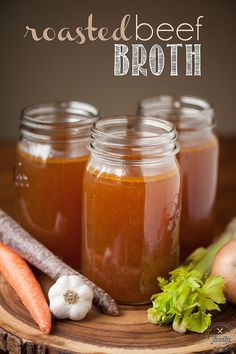 Make your own homemade slow Roasted Beef Broth for the most delicious stock that makes perfect stews, soups, and roasts. I like to call it liquid gold! {Self Proclaimed Foodie} Canning Recipes, Beef Recipes, Soup Recipes, Dinner Recipes, Homemade Beef Broth, Sauces, Fondue, Beef Bone Broth, Roast Beef