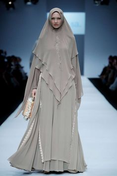 The World's Fashion Business News Abaya Fashion, Fashion Dresses, Maxi Dresses, Wedding Dresses, Islamic Fashion, Muslim Fashion, Hijab Evening Dress, Mode Abaya, Fashion Illustration Dresses