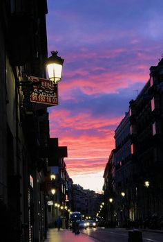 Cielo by Mices. Sunset Tumblr, Sunset Sky, Sunrise, Pretty Sky, Beautiful Sunset, Sky Art, Sky Aesthetic, Aesthetic Pictures, Street Photography