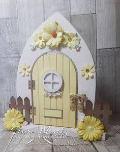 Diy Fairy Door, Tooth Fairy Doors, Diy Door, Mini Fairy Garden, Fairy Garden Houses, Fairy Gardens, Diy Crafts Slime, Diy And Crafts, Door Crafts