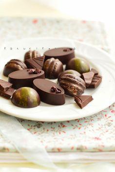 Mogyorókrémes bonbon Latte, Candy, Chocolate, Fruit, Sweet, Gifts, Macaron, Food, Passion