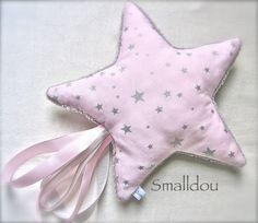 Faire un doudou étiquette avec la forme d'une étoile
