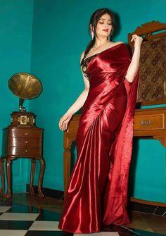 Saree Gown, Satin Saree, Pink Saree, Saree Blouse, Beautiful Girl Indian, Beautiful Saree, Beautiful Indian Actress, Beautiful Women, Drape Sarees